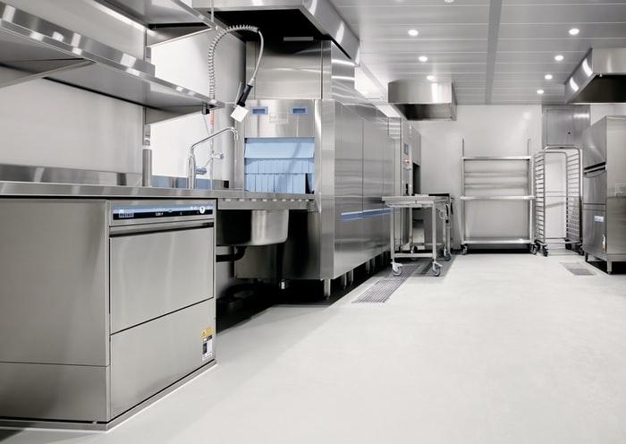 Penggunaan material stainless steel untuk kitchen set, unsplash @ripato